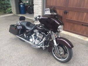 Street glide 103ci 6 speed beautiful colour