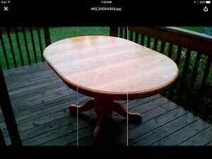 Table & 4 Chairs Kingston Kingston Area image 2