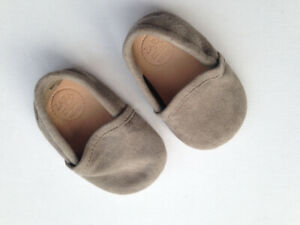 Baby suede ZARA slippers; moccasin style, NEW