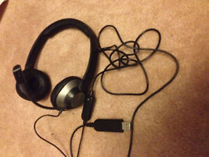 3 usb mic headsets: 2 logitech, 1 creative $30 for entire lot