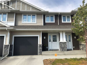 Clean new townhouse available Jan-Feb 2019