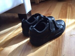 LIKE NEW! Geox Respira boys shoes West Island Greater Montréal image 5