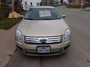 VERY CLEAN 2007 Ford Fusion SE LO KM 122,000 2nd owner $5600.00
