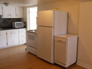 South Side Two Bedroom near Queen's University available June 1