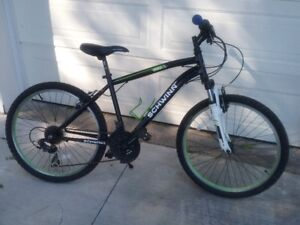 SCHWINN ATLAS MOUNTAIN BIKE***EVERYTHING WORKING EXCEPT***
