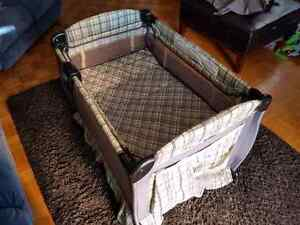 Graco playpen with change table  excellent Kitchener / Waterloo Kitchener Area image 3