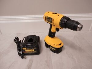 DeWALT Drill Model DC759 with Charger