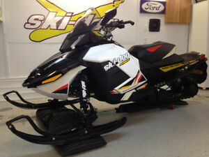 2012 MXZ X 1200 SKIDOO & 2006 Mission V noise Trailer