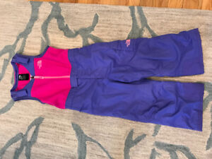 The North Face girls snow pants - size 4