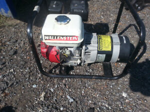 wallenstien EC3300 generator honda engine 2-3 hours use