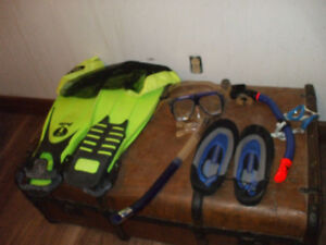 FOR SALE SNORKEL & GLASSES & WATER SHOES