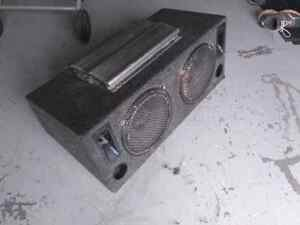 12 inch subs with amp ported box  Kitchener / Waterloo Kitchener Area image 1