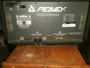 Peavey power stero amp mixer 1200 w and speakers