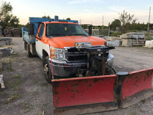 CHEV 1 Ton Dually with Dumpbox and Plow