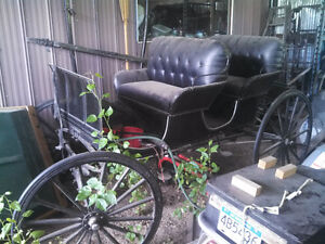Creston, in beautiful shape a leather 4 seater buggy with rubber