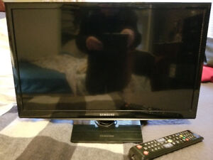 SAMSUNG 24 Inch 720P 60 HZ LED SMART TV