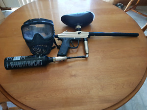 Paintball gun, mask and 12oz CO2 tank