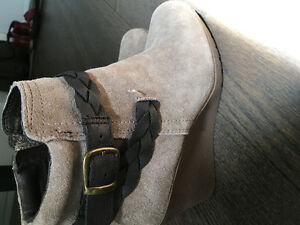 "Ladies suede leather booties ""new"""