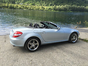 2006 Mercedes-Benz SLK-Class 3.5L Coupe (2 door)