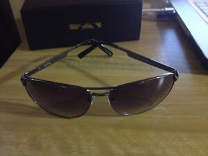 Guess Sunglasses Original, New!  Aviators Black! West Island Greater Montréal image 2