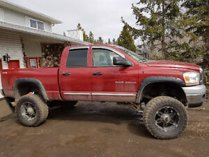 Lifted 2006 Dodge 2500HD Laramie Truck