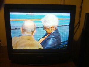 "Color TV Panasonic CT-2771SC 27"" 181 channels VHF/UHF"