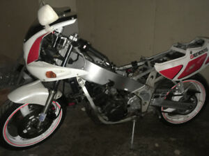 '86 & '89 Yamaha fzr400's projects or parts sale