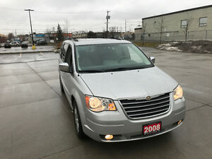 2008 Chrysler Town & Country, Automatic, 3/ Y Warranty available