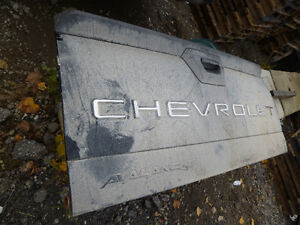 2003 Chev Avalanche tail gate London Ontario image 1