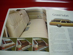 1971 Pontiac wagons sales brochure Peterborough Peterborough Area image 2