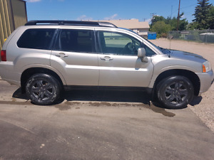 2007 Mitsubishi endeavor AWD fully loaded