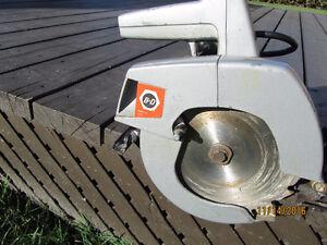 Circular saw / Scie circulaire