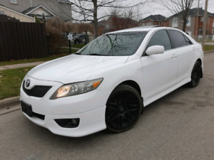 2011 Toyota Camry SE Fully Loaded Leather & Sunroof