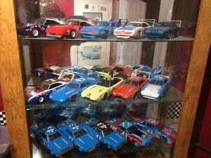 1/18th scale die cast cars London Ontario image 1