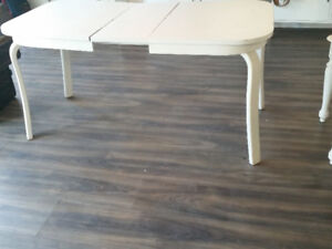 White Wood Vintage Dining Table with Leaf