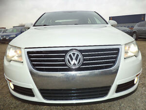 2008 Volkswagen Passat-4MOTION-AWD-V6-LEATHER-SUNROOF--CLEAN