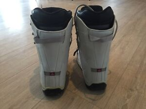 Women's snowboard, boots (size 7) bindings London Ontario image 6