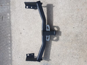 TRAILER TOW HITCH RECEIVER