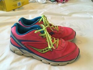 Girls Saucony running shoes Kitchener / Waterloo Kitchener Area image 2
