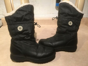 "Women's ""Lower East Size"" Winter Boots Size 8 London Ontario image 1"