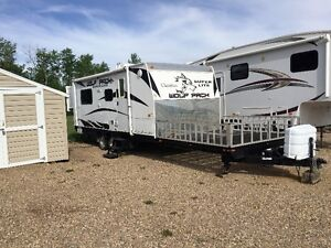 For Sale 2009 Wolfpack Toy Hauler