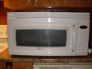Maytag Over-the Range Microwave model MMV5207ACW