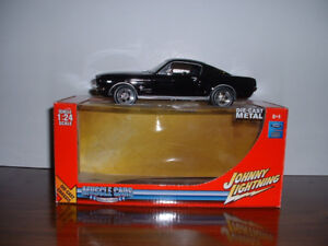 Johnny Lightning 1/24 Muscle Cars Limited editions.
