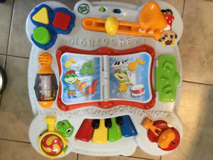 Infant Stand and Play Table by Leapfrog