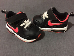 Nike Air Max (Toddler size 5)