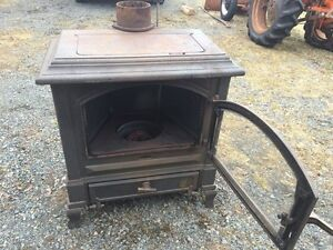 Gravity Fed Cast Iron Oil Stove