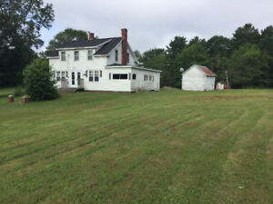 OLDER STYLE 4 BEDROOM 1 BATH HOME 1 ACRE LOT GREENFIELD