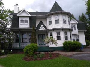 Superbe maison, 5 chambres, nouveau prix!
