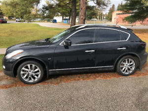Infiniti QX50 Excellent incl. snows/rims/racks