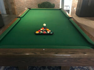Canada Billiards pool table + accessories (Canadian-made!)